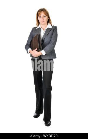 Businesswoman holding grave un portefeuille isolé sur fond blanc Banque D'Images