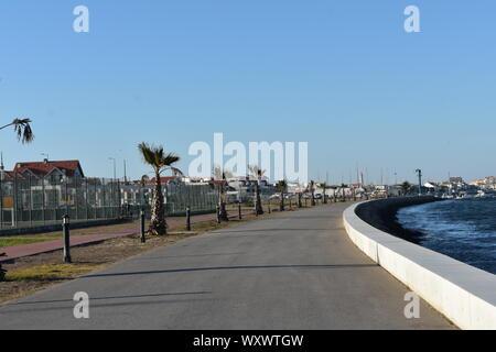 Marcher côte à côte avec Ria de Aveiro avec vue fantastique au Portugal Banque D'Images
