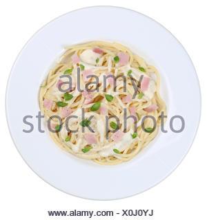 Spaghetti Carbonara Nudeln Pâtes Gericht freigestellt Banque D'Images