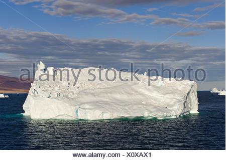 Le Groenland, l'Europe, l'océan Arctique, au nord, Qaanaaq, iceberg, mer, piscine, la glace Banque D'Images