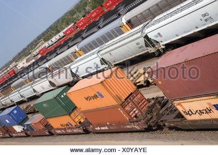 Portrait des wagons de la Union Pacific's Bailey Triage ferroviaire North Platte Nebraska plus grand chemin de fer de classification Banque D'Images