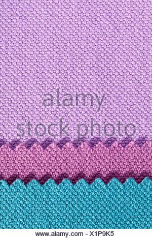 Composition de bandes de couleurs de tissu de coton dentelée