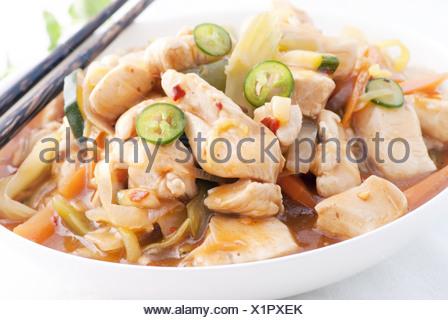 Doux comme cluseup Saur de poulet dans un wok Banque D'Images