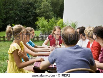 Famille à un pique-nique Banque D'Images