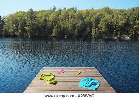 Canada,Ontario,Pier,Lac,Serviette,Absence Banque D'Images