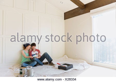 Young couple at home Banque D'Images