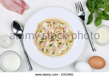 Spaghetti Carbonara Nudeln Pâtes Gericht von oben Banque D'Images