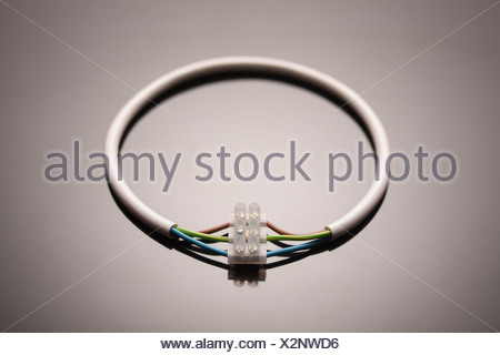 Un cercle de fil relié à lui-même Banque D'Images
