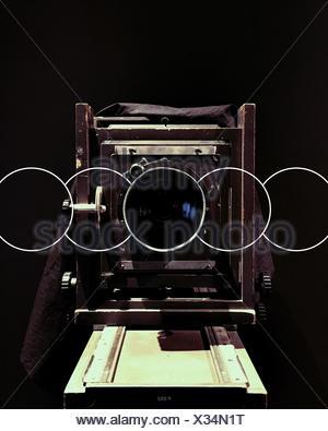 Portrait Of Vintage Camera sur fond noir Banque D'Images