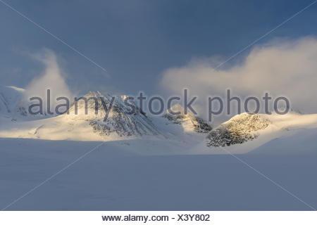 Montagnes dans la lumière du matin, Laponie, Suède Banque D'Images