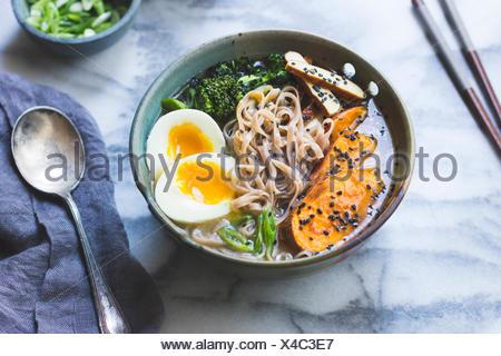 Soupe aux nouilles ramen Banque D'Images