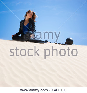 USA, Utah, little Sahara, happy ball and chain in desert Banque D'Images