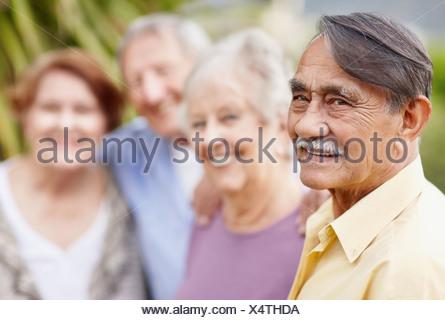 Groupe d'aînés gais Banque D'Images