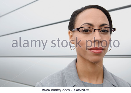 African businesswoman wearing eyeglasses Banque D'Images