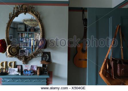 miroir au dessus chemine ahurissant miroir dessus de chemine ecran miroir sur chemine le savoir. Black Bedroom Furniture Sets. Home Design Ideas