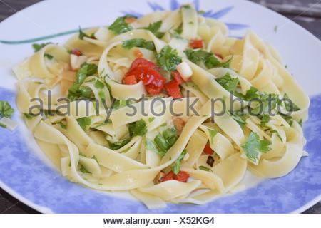 Plat italien traditinal spaghetti Aglio e olio:peperoncino Banque D'Images