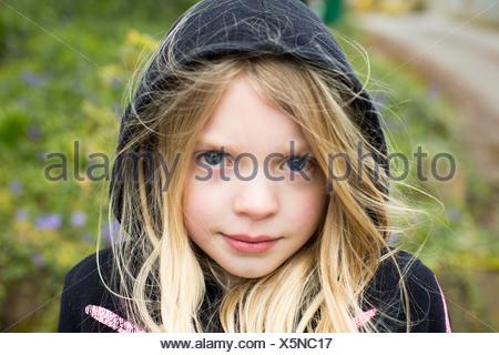 Portrait of Girl wearing hood Banque D'Images