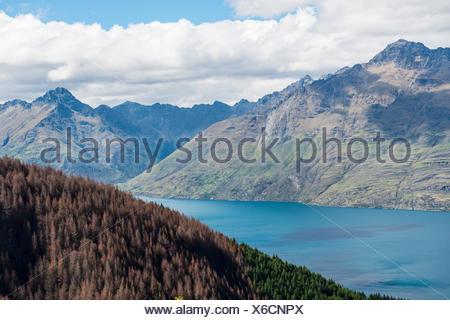 Vue sur le lac Wakatipu, Ben Lomond, Otago, île du Sud, Nouvelle-Zélande Banque D'Images