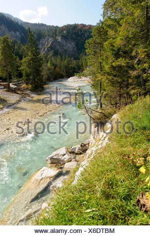 La rivière Isar dans la vallée Hinterautal, origine de la rivière Isar, près de Seefeld, Tyrol, Autriche, Europe Banque D'Images