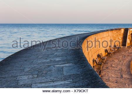 L'Angleterre, dans le Dorset, Lyme Regis, le Cobb et port de l'aube Banque D'Images