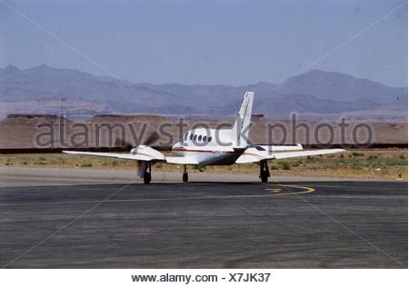 le maroc ouarzazate avions lgers sur le vol intrieur atterrissage sur piste de l