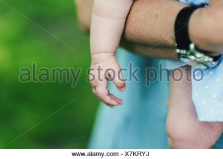 Portrait Père Holding Baby Banque D'Images