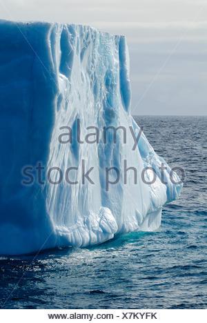Iceberg au détroit de Davis au large de l'île de Baffin, Nunavut, Canada, Arctic Banque D'Images