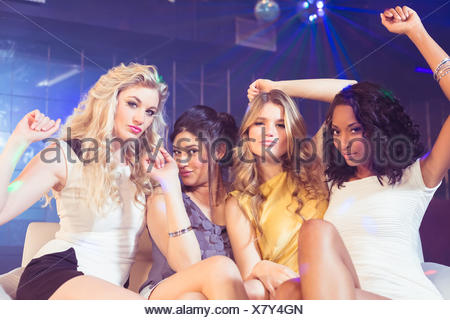 Pretty Girls posing and smiling Banque D'Images