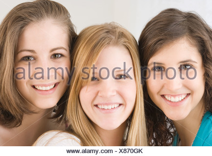 Close up of teenage girl smiling Banque D'Images