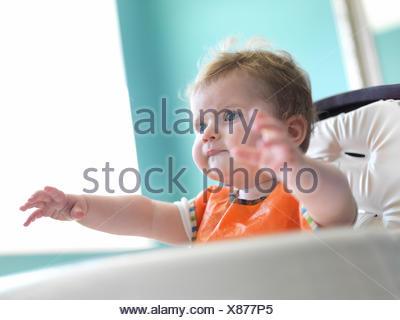 Baby Girl de fauteuil Banque D'Images