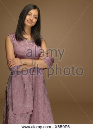 Femme portant un sari Banque D'Images