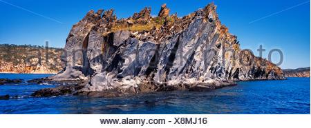 Une formation de grès Elgee sur la côte de Kimberley à distance. Banque D'Images