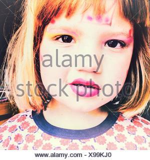 Close-Up Portrait of Girl Wearing Make-Up Banque D'Images