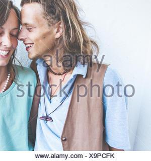 Jeune couple hétérosexuel dans l'amour Banque D'Images