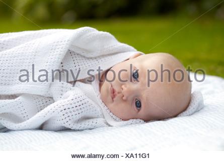 Trois mois bébé garçon Banque D'Images