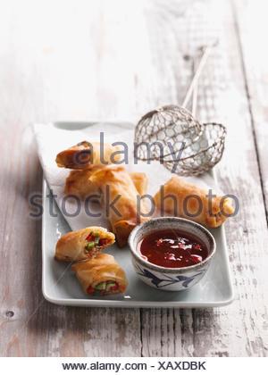 Wan tan frits avec remplissage épicé Banque D'Images