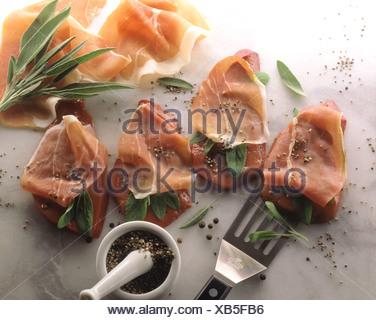 De foie de veau Saltimbocca préparé pour Banque D'Images