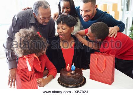 Family Celebrating 60 ans Ensemble Banque D'Images