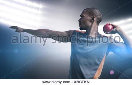 Voir le profil de sportif pratiquant le lancer du poids Banque D'Images