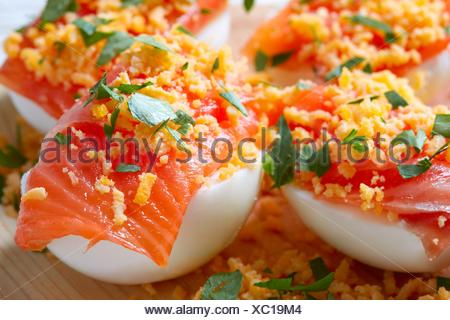 Oeufs de saumon avec rempli de recettes Espagne tapas ...