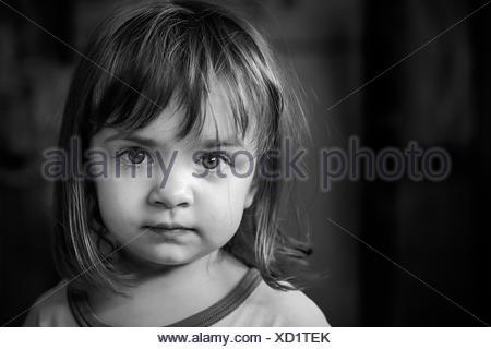 Portrait of Girl (2-3) avec de grands beaux yeux Banque D'Images