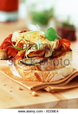 Ostréiculture et champignons sandwich ouvert Banque D'Images
