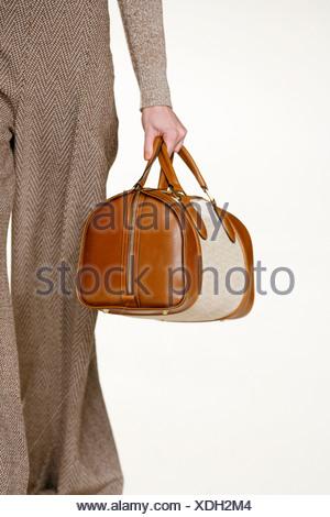 ... Chloe Paris Prêt à Porter Automne Hiver Brown herringbone pantalon  jambe large et brun sac à a52c737a3f8