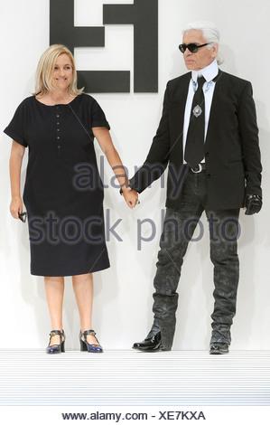 ... Fendi Milan Prêt à porter des créateurs de mode Printemps Été 2012 Karl  Lagerfeld et Sylvia 10bf3fe4b5e