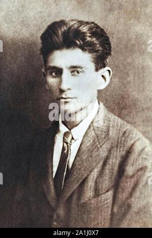 Franz Kafka (1883-1924) austro-ungarico autore modernista più noto per le sue opere surrealiste Die Verwandlung [la metamorfosi] e Das Schloss [il castello].
