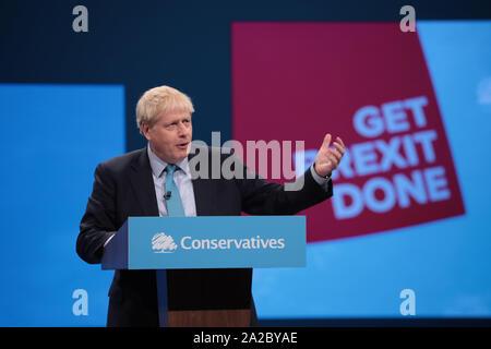 Londra, Regno Unito. 02oct, 2019. La Gran Bretagna è il primo ministro Boris Johnson offre il suo discorso sottolineando la sua politica del partito l ultimo giorno del Congresso del Partito Conservatore di Manchester Mercoledì, Ottobre 02, 2019. Foto di Hugo Philpott/UPIm Credito: UPI/Alamy Live News