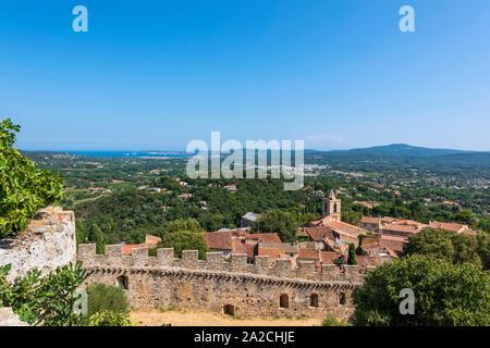 La vista dal castello di Grimaud del golfo di St Tropez, sud della Francia. Foto Stock