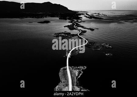 Vista aerea della famosa strada Atlantico.Bianco Nero Fotografia.immagine filtrata di effetto di rumore. Foto Stock