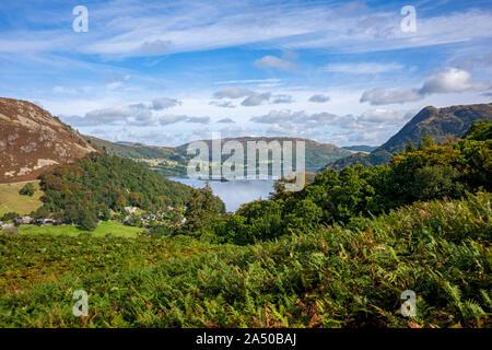 Vista da Birkhouse Moor a Ullswater e Gowbarrow cadde in estate vicino Glenridding Lake District National Park Cumbria Inghilterra Regno Unito GB Foto Stock