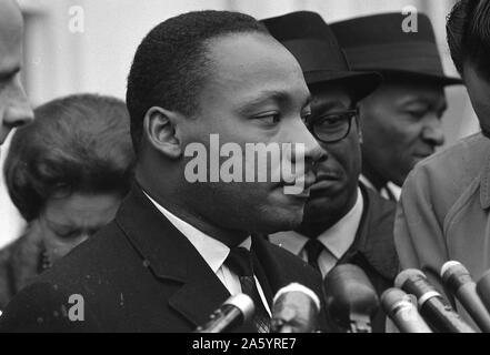 Martin Luther King Jr. (1929-1968) era un americano ministro battista, attivista, umanitario e leader nell'afro-americano di movimento per i diritti civili. Foto Stock
